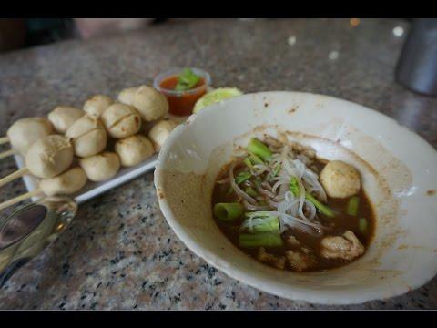 Thai Boat Noodles at Victory Monument - Bangkok