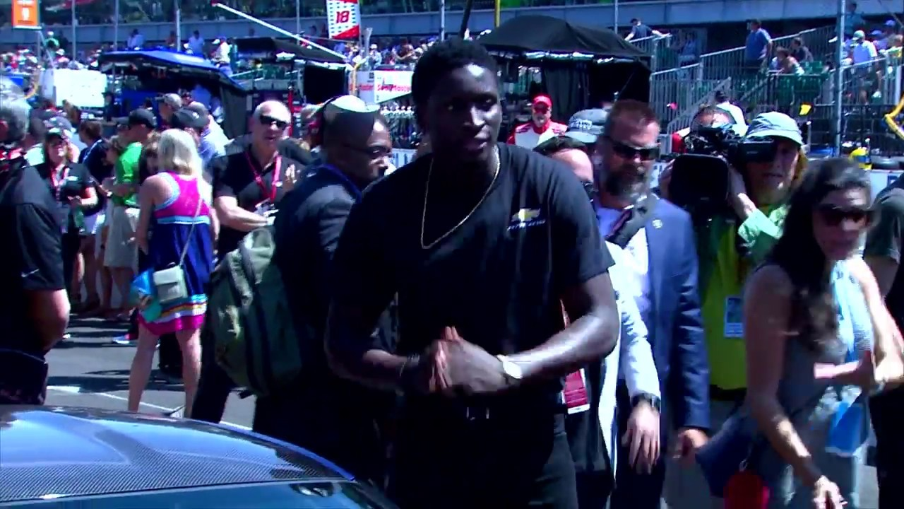 b8ac0dfb2a9 Victor Oladipo, Indiana pacers guard drives Indy 500 pace car ...