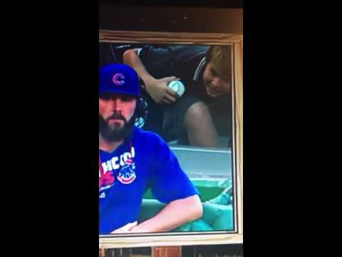 Funny kid in the background of Jake Arrieta's interview