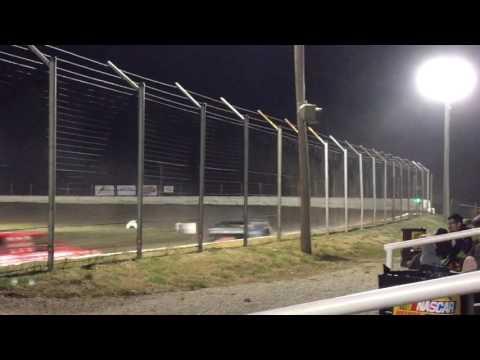 Heat Race Humboldt Speedway 3/18/17 Part 1