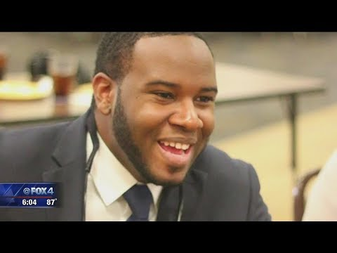 """Lawyers """"disgusted"""" by police releasing search warrant for Botham Jean's apartment"""
