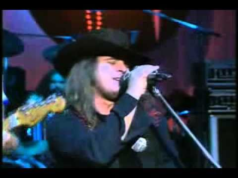 Lynyrd Skynyrd - Sweet Home Alabama **Official Video**