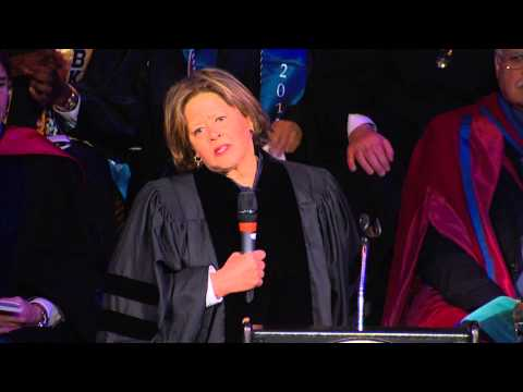 Undergraduate Speaker Anna Deavere Smith | Kean Commencement 2015