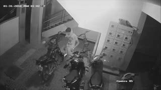 CCTV Footage of Bike Theft-Yamaha Fz 150 Fi Version 2.
