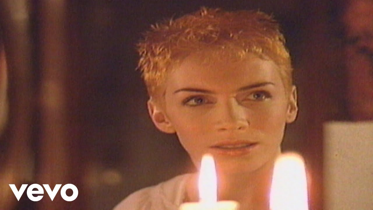 Eurythmics, Annie Lennox, Dave Stewart - Here Comes the Rain Again (Official Video)