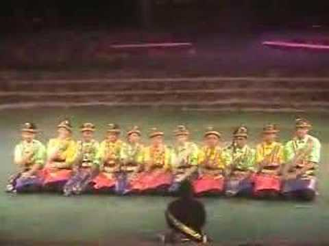 Indonesian Club Saman Dance