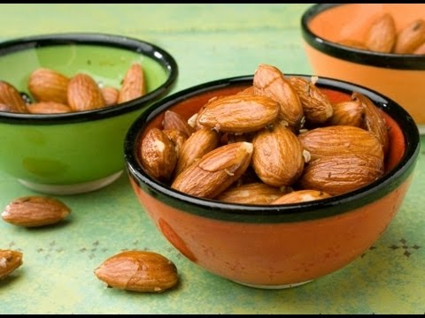 How to Blanch Almonds - YouTube