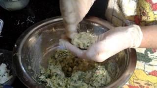 Μαγειρεύοντας  κολοκυθοκεφτέδες με τη Mamma Άννυ(2)