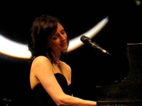 Sarah Slean - Looking for Someone
