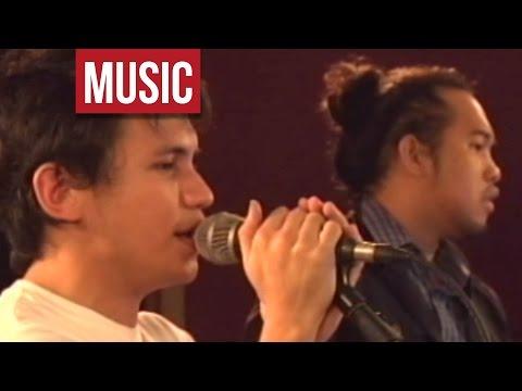 """Sponge Cola - """"Jeepney"""" Live!"""