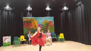 Nika video 27(Ника-божья коровка в спектакле