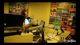 Неадекватный позвонил в ЭФИР RADIO RECORD!