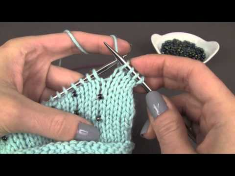 Knitting with Beads: the stringing method