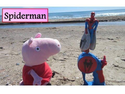Peppa Pig y The Ultimate Spiderman volador en la playa | Vídeos de Peppa Pig en español