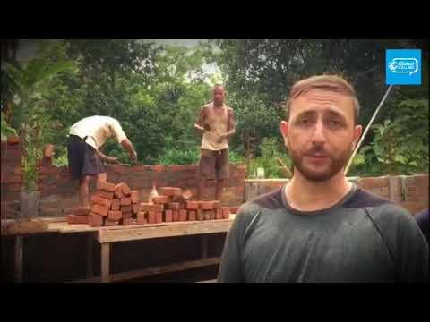 Construcción de los muros del centro de entrenamiento Global Calling