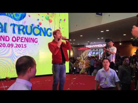 Sơn Tùng MTP at Vivo City ( 20/09/2015 ) p2