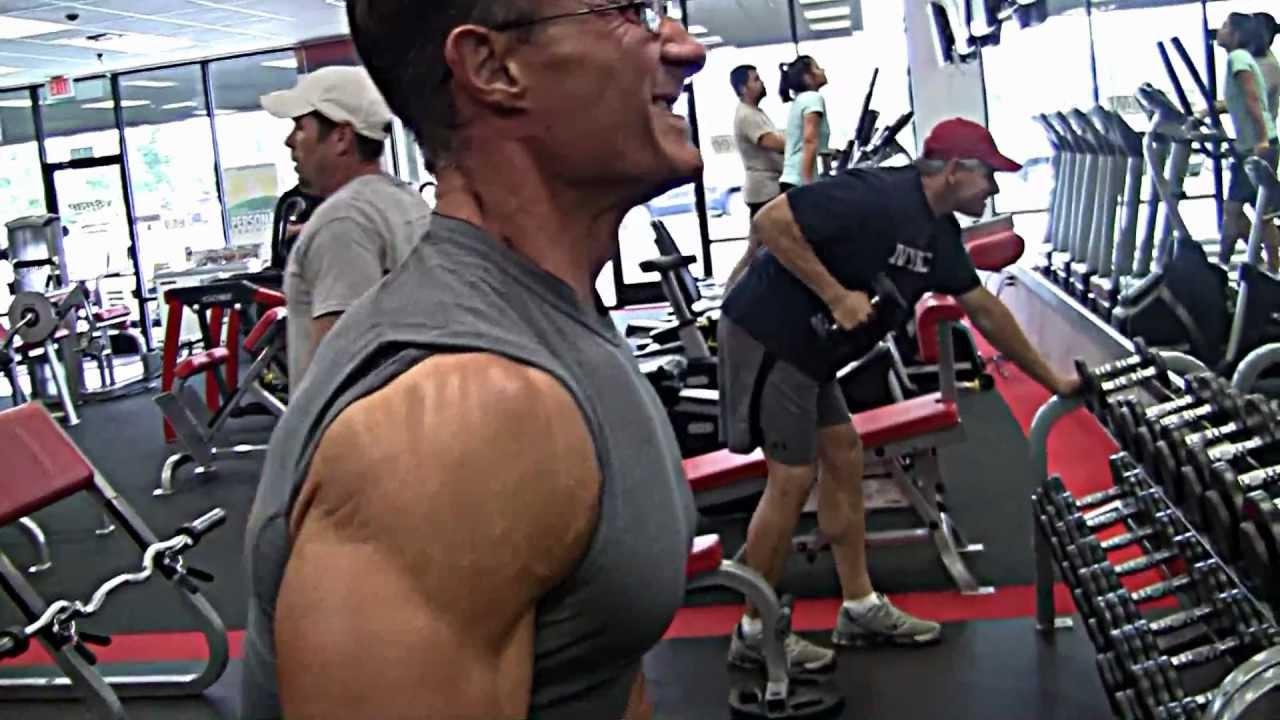 Supernatural Deltoid Training - YouTube