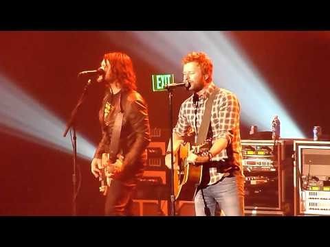 Dierks Bentley - Feel That Fire Live - Everett, WA - 04-21-12