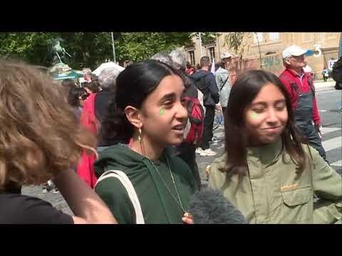 Grève scolaire contre l'inaction climatique : nouvelles manifestations des lycéens à Bordeaux et Bayonne - - France 3 Nouvelle-Aquitaine