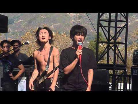 "ONE OK ROCK ""Clock Strikes"" LIVE HD @ Knotfest San Bernadino, CA 10/15/14"