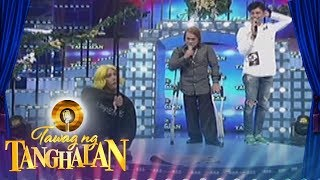 Tawag ng Tanghalan: Vice Ganda and Vhong Navarro make fun of a microphone stand