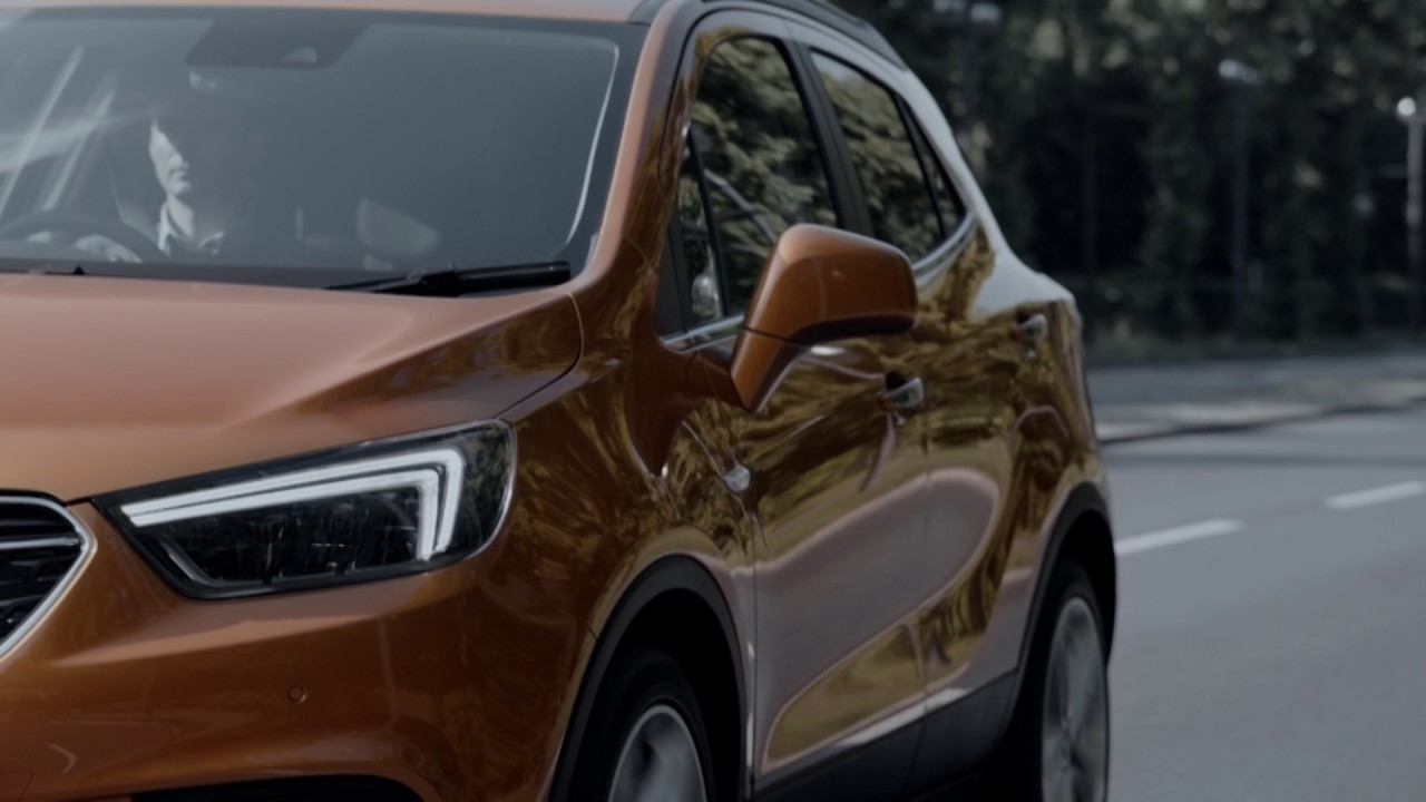 Stay connected in the Opel Mokka X with Apple CarPlay and Android Auto