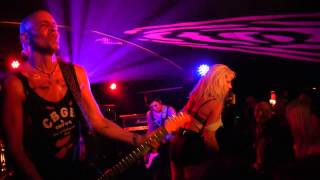 BARB WIRE DOLLS (US) Live