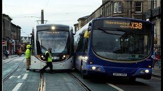 Schlimme Straßenbahnunfälle aufgenommen auf Video