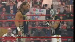 WWE Raw 29/12/08 Part1