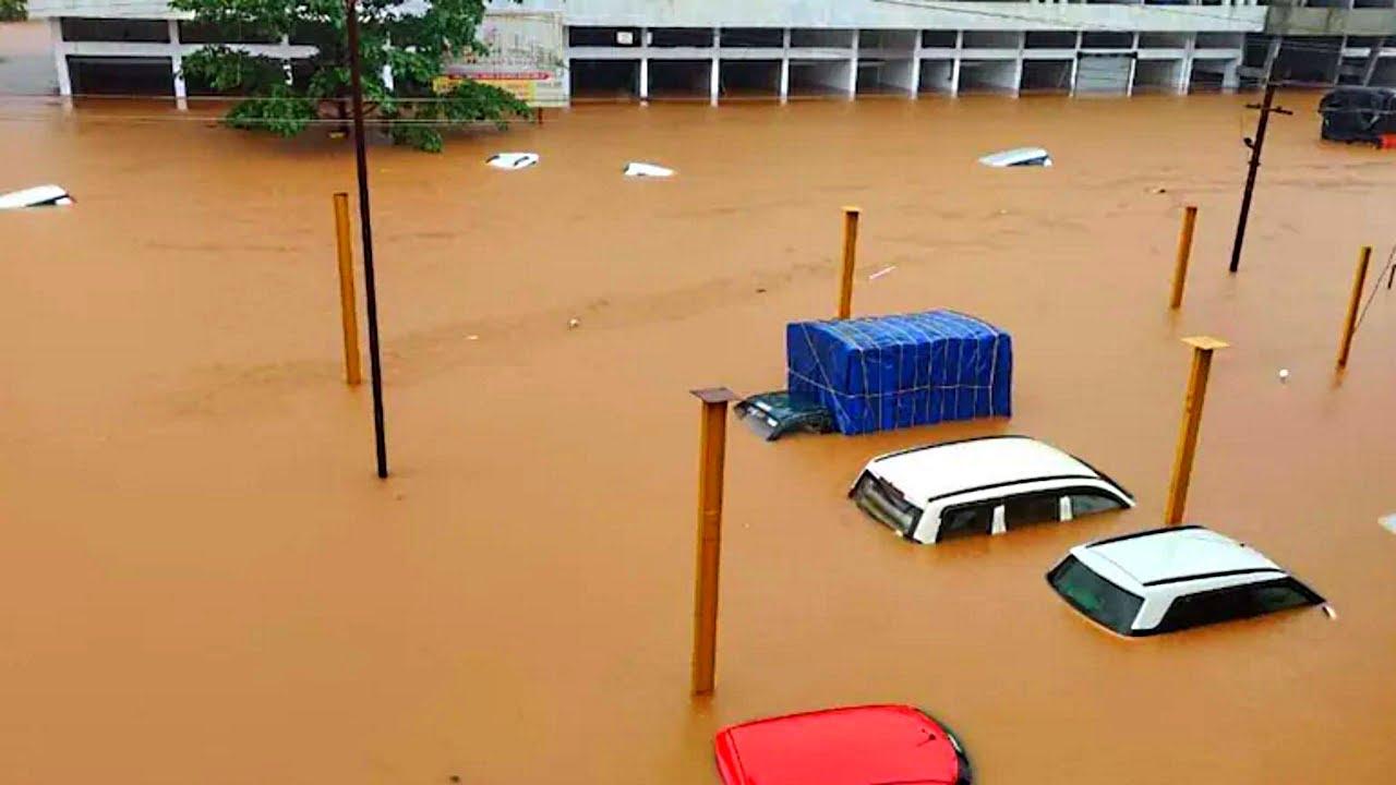 MAJOR Floods in Chiplun, Maharashtra, India - Jul. 22, 2021