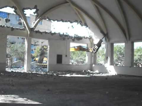 udhana-community-hall-demolition-in-surat-gujrat