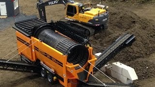 Incredible selfmade RC Mobile Sorting Machine sorting soil - Great RC Fun! thumbnail