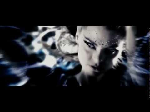 Christina Aguilera - Falling in love again (Can't help it) - The Spirit OST
