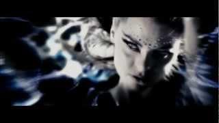 Christina Aguilera - Falling in love again (Can