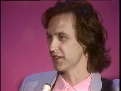 Dick Clark Interviews Dave Davies - American Bandstand 1983