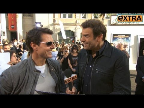 'Extra' Raw! On the 'Rock of Ages' Red Carpet