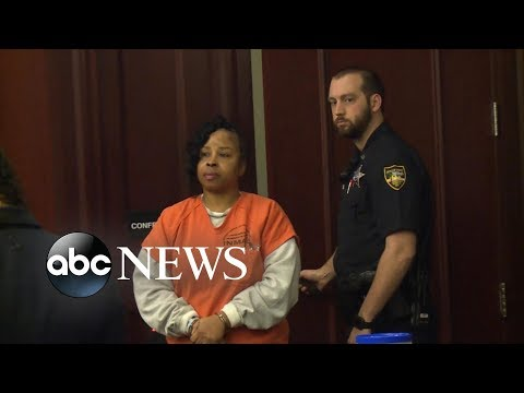 Woman accused of kidnapping baby faces bio mom in court