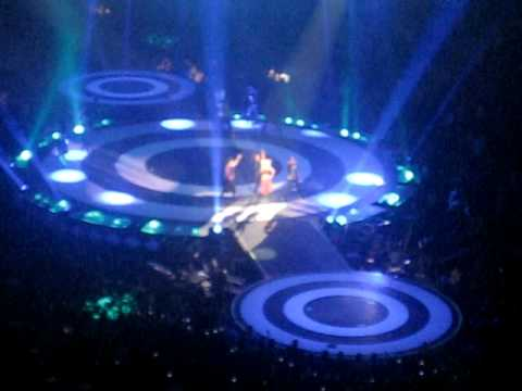 Britney Spears - Baby One More Time (Ottawa)