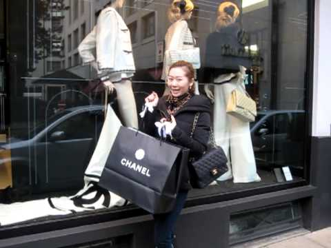 chanel shopping in chanel boutique germany hamburg youtube. Black Bedroom Furniture Sets. Home Design Ideas