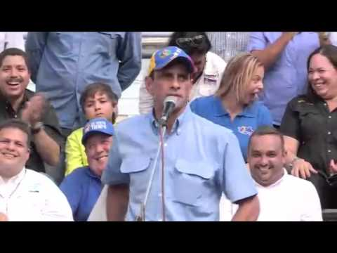 Henrique Capriles Radonski perrea a Nicolás