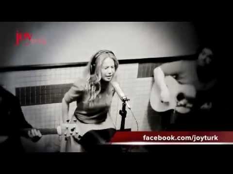 Betül Demir - Yeniden Sev (JoyTurk Akustik) 2012
