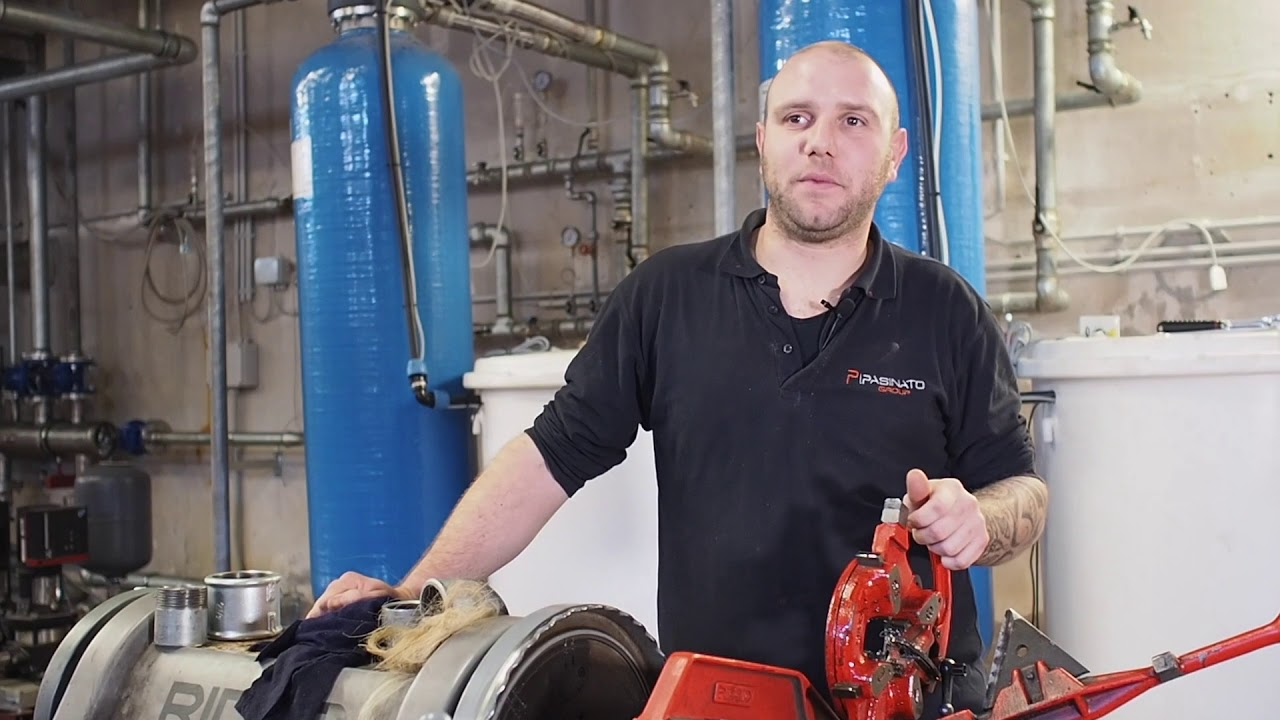 RICCARDO BOTTACINI, operaio idraulico Pasinato Group - YouTube