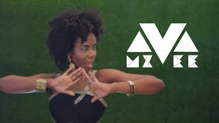 Смотреть клип Mzvee Ft. Pappy Kojo - Mensuro Obia (Official Video