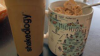 How I Make My Shakeology (Dense Nutrition Shake)  Fibromyalgia & Weight Loss