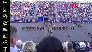 中国解放军军乐团的这次表演当时轰动英国!把现场的观众激动坏了