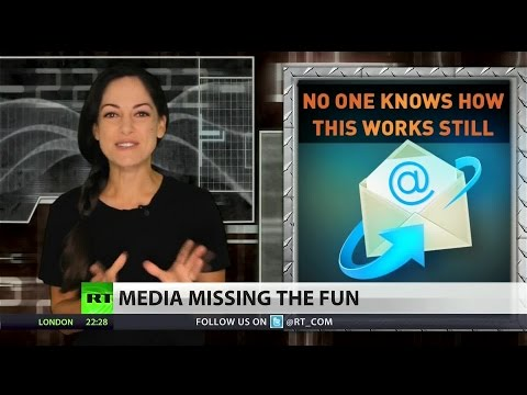 Sexting scandal haunts Hillary Clinton