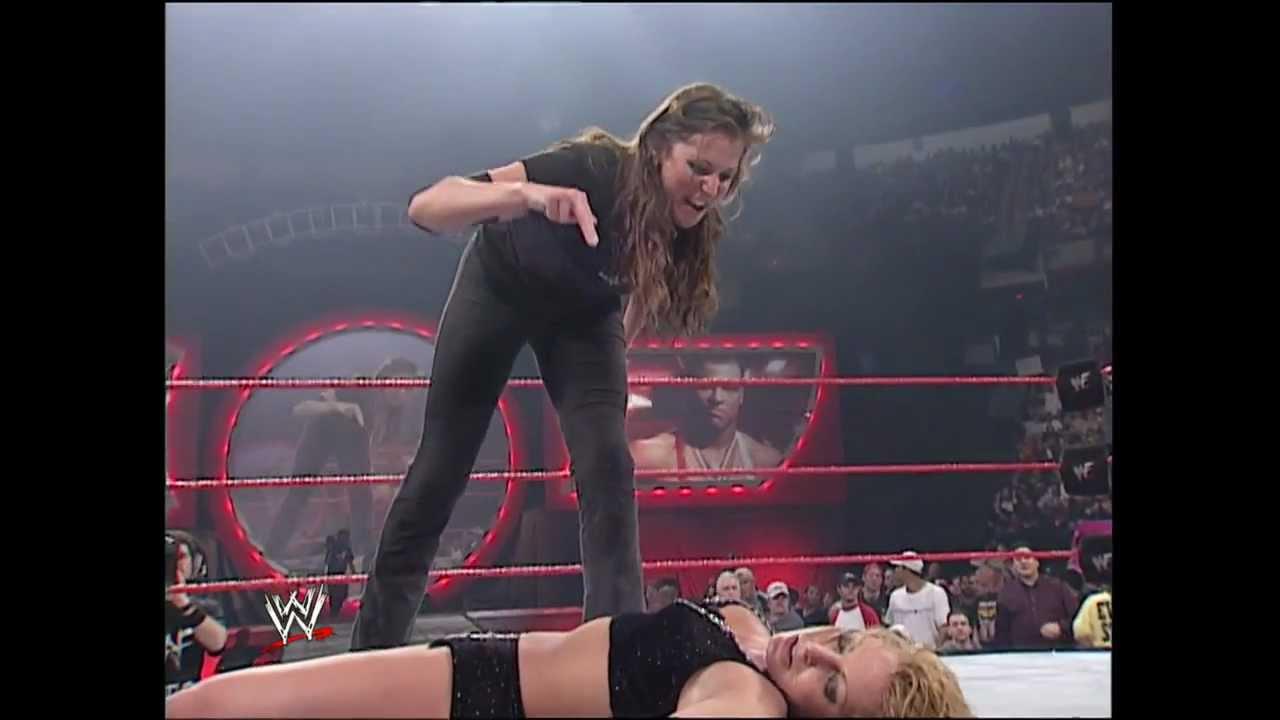Download Stephanie McMahon vs. Trish Stratus - No Way Out 2001