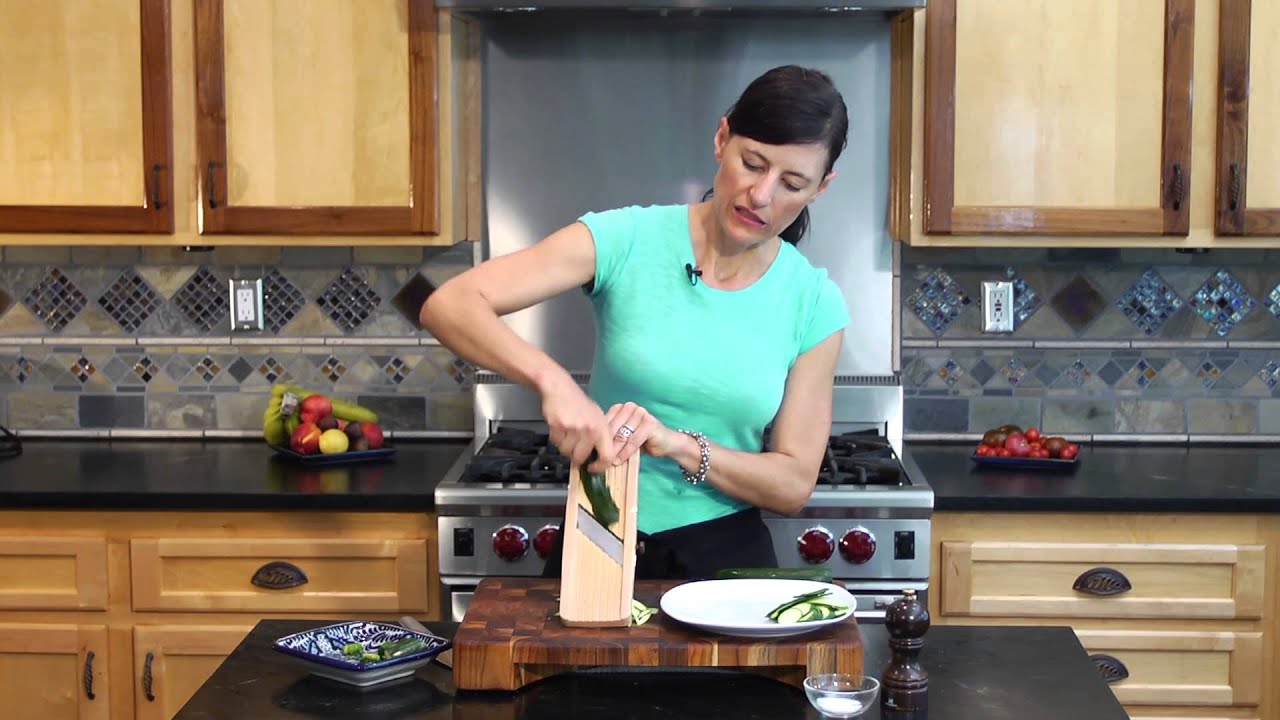 How to Slice a Zucchini Using a Mandolin : Vegetable Recipes With ...