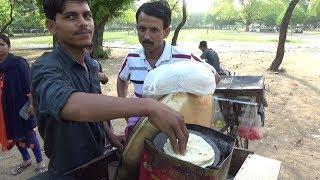 Chole Kulcha & Samosa Chaat  | Indian People Enjoying Delhi Street Food