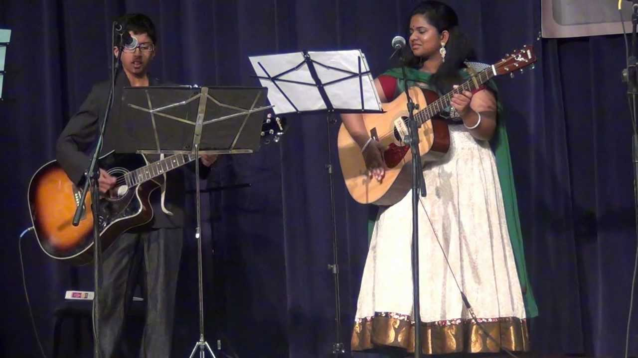 Aakash Guitar- Nenjukkul Peidhidum.MTS - YouTube